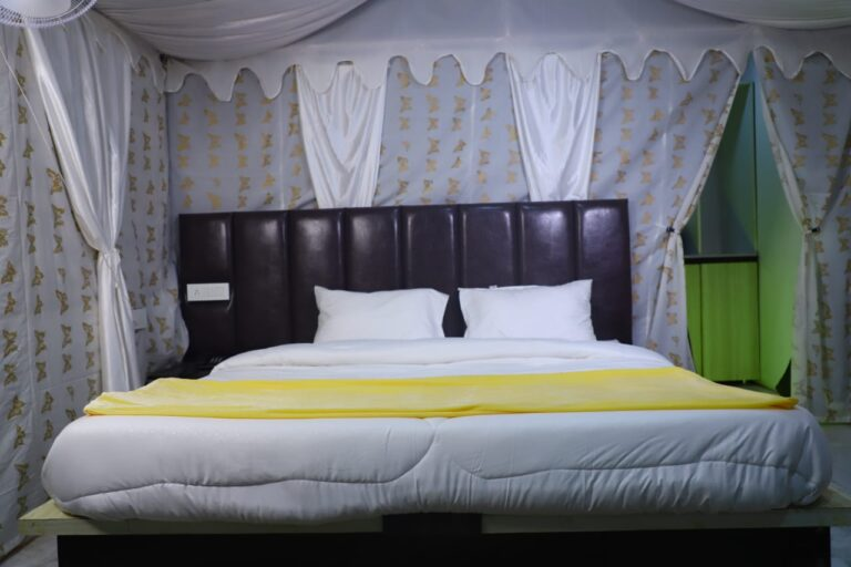 bedding-at-luxury-camps